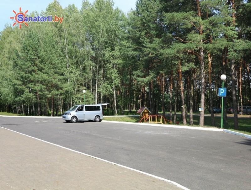 Санатории Белоруссии Беларуси - ДРОЦ Свитанак - Парковка