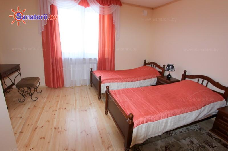 Санатории Белоруссии Беларуси - ДРОЦ Надежда - четырехместный трехкомнатный apartament с кухней (гостевые дома №4, 5)