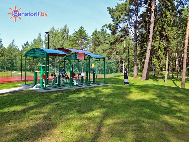 Санатории Белоруссии Беларуси - санаторий Плисса - Уличные тренажеры