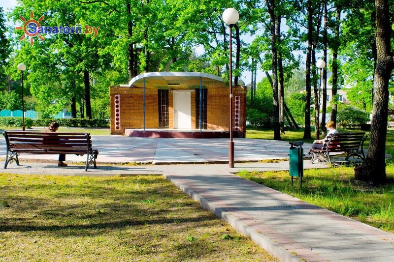 Санатории Белоруссии Беларуси - санаторий Алеся - Танцплощадка летняя