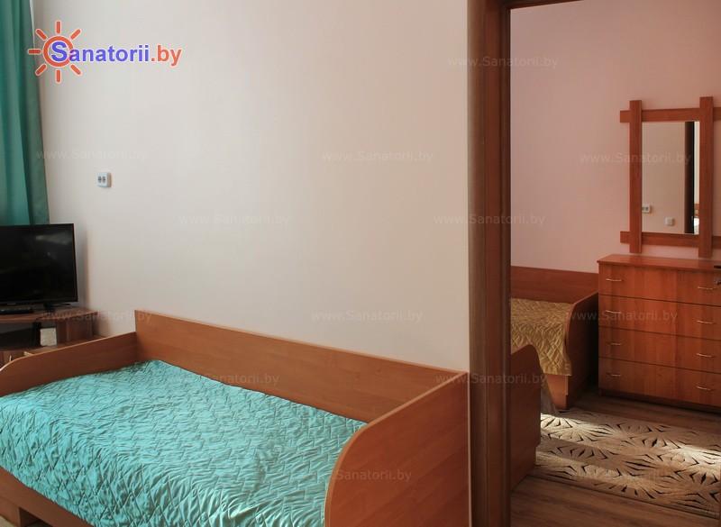 Санатории Белоруссии Беларуси - санаторий Берестье (Брестагроздравница) - трехместный двухкомнатный (корпус №1)