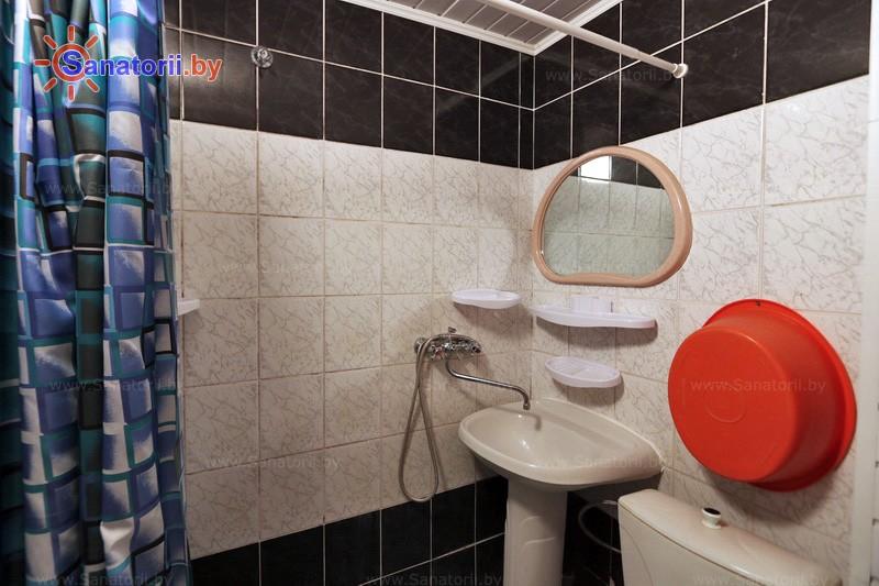 Санатории Белоруссии Беларуси - санаторий Буг - двухместный однокомнатный / с телевизором (корпус № 1, 3, 4)