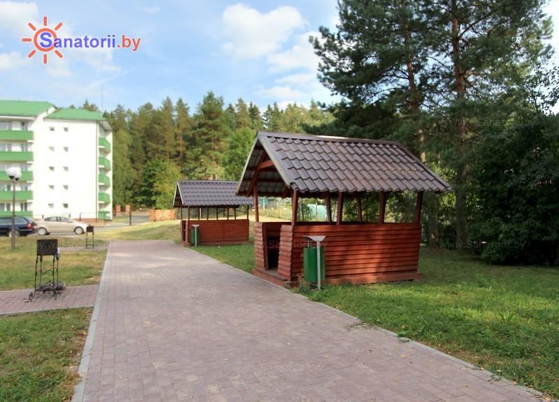 Санатории Белоруссии Беларуси - оздоровительный центр Энергетик - Площадка для шашлыков